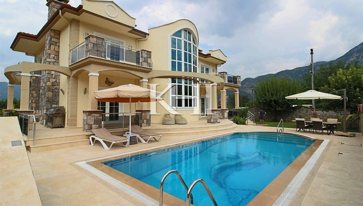 Exclusive Villa In Uzumlu