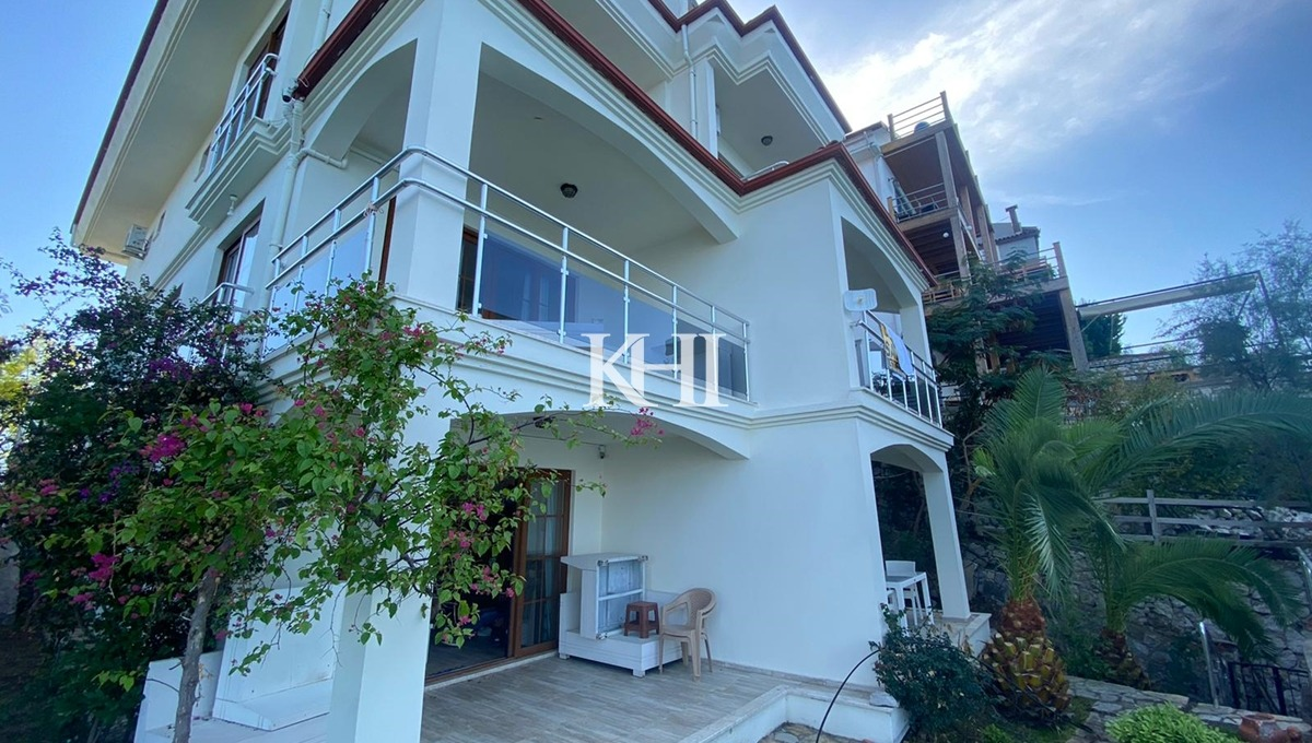 Villa In Sovalye Island With A Private Beach