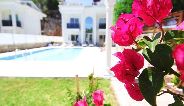 Stunning Villa In Ovacik