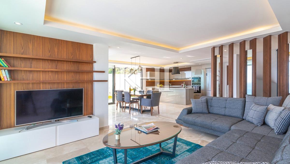 Amazing Sea-View Villa For Sale