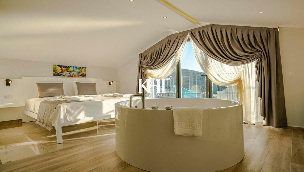 5 bedroom modern villa