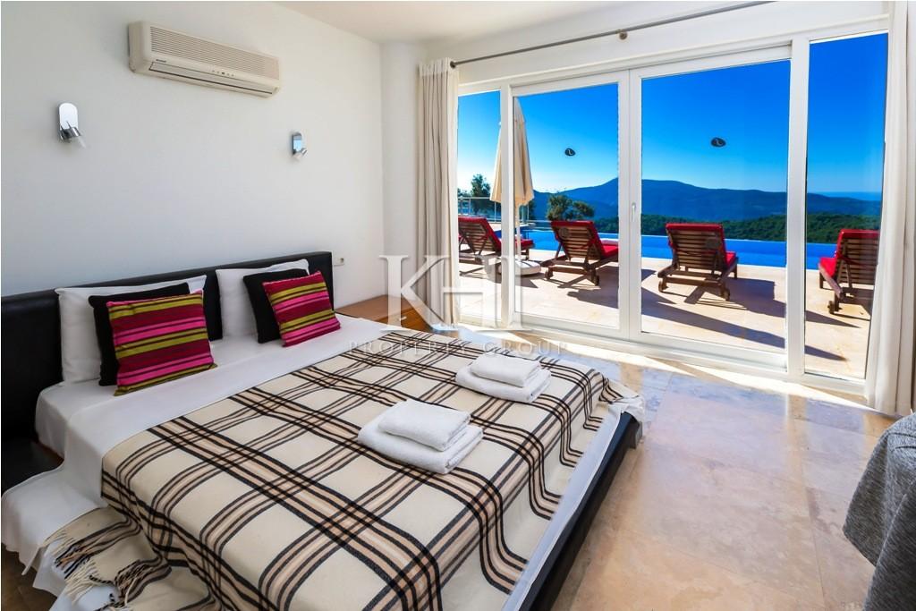 4 bedroom large villa for sale