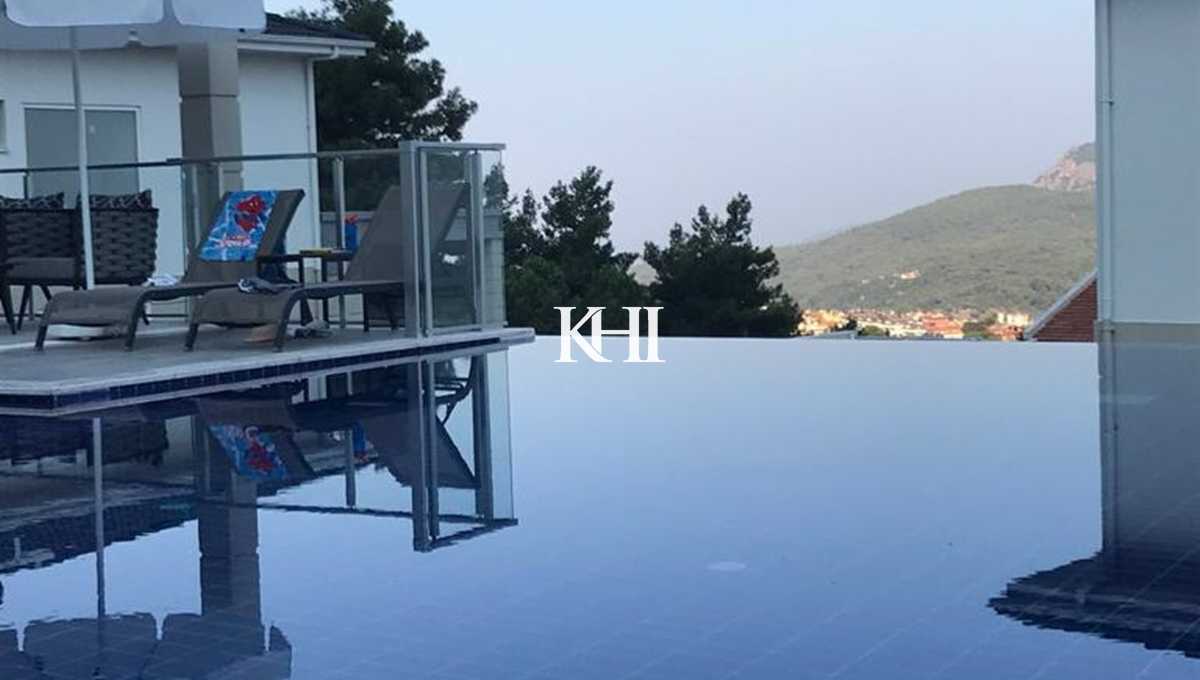 Four-Bedroom Villa For Sale With Mountain View