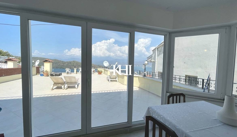 Superb Sea-View Apartment