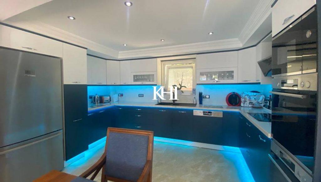 Family villa for sale in Ovacik